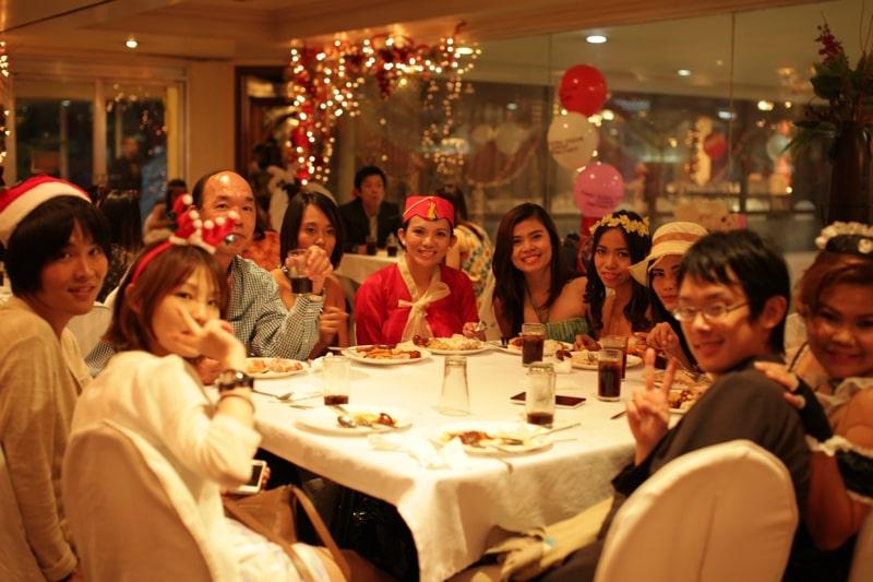 Tổ chức tiệc Giáng sinh tại trường Target Philippines